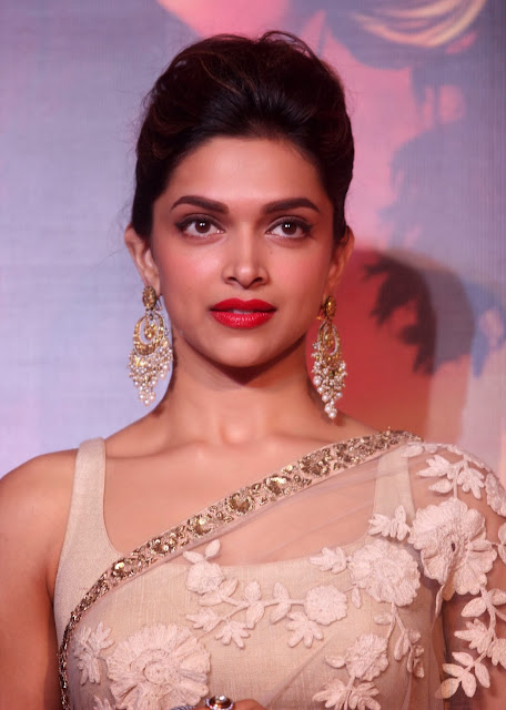 Actress Deepika Padukone Hot Smiling Face Closeup