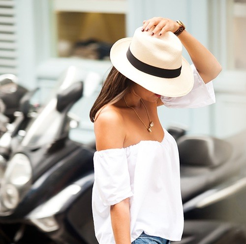 off shoulder top trend