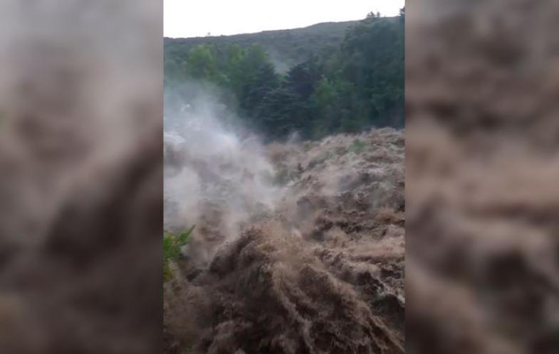 VIDEOS: Fuerte temporal en el Valle de Punilla causa desastres por las crecidas de los ríos
