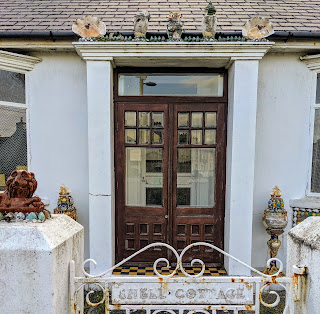 Things to see in Dungarvan: Shell Cottage in Abbeyside