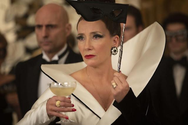 Emma Thompson como La Baronesa.