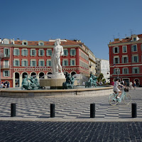 Лазурно в Ница