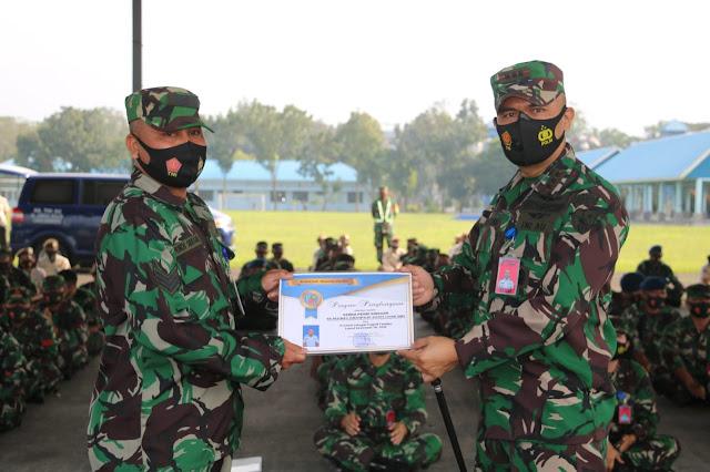 Penganugrahan Prajurit Teladan Lanud Soewondo