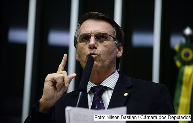 PV acusa e Conselho de Ética abre processo contra Bolsonaro.