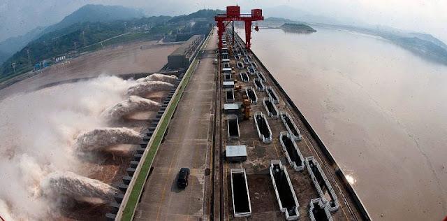 Đập Tam Hiệp: công trình thủy điện lớn nhất Trung Quốc có nguy cơ bị vỡ? Dự ngôn miêu tả cảnh tượng đáng sợ vào năm Canh tý 2020