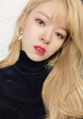 Foto cantik Jeongyeon dengan rambut panjang