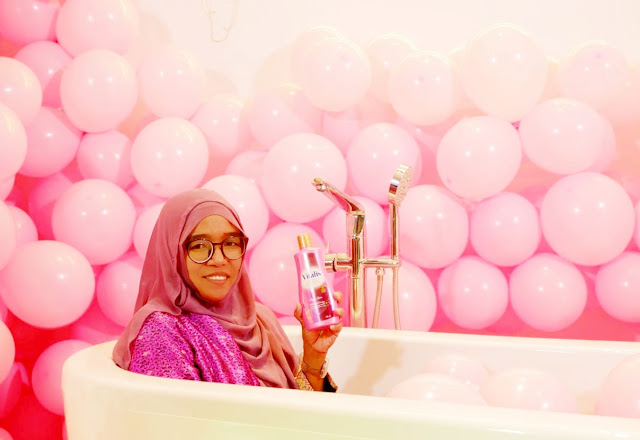Mandi parfum dengan vitalis parfumed moisturizing body wash