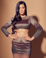 Shruti Haasan Glam Photo Shoot HeyAndhra.com
