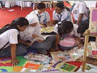 Buku Panduan Gerakan Literasi Sekolah (GLS) di SMA