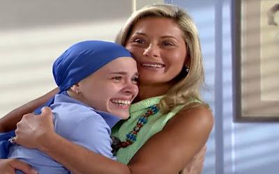 Camila (Carolina Dieckmann) e Helena (Vera Fischer) comemorarão boa notícia em Laços de Família