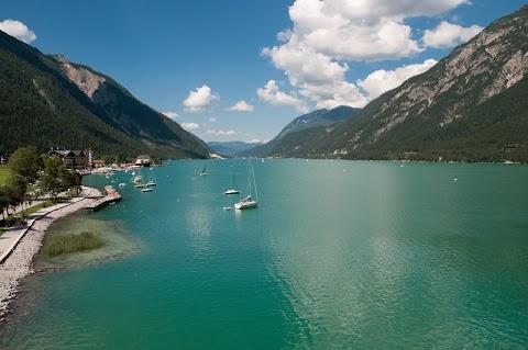 Co vidět v Tyrolsku – jezero Achensee a soutěska Wolfsklamm