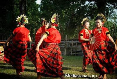 Tari Pakarena Gowa Sulawesi Selatan