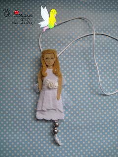 Colgante-collar-comunión-muñeca-personalizada-elbosquedelulu-hechoamano-felt-fieltro-feltro