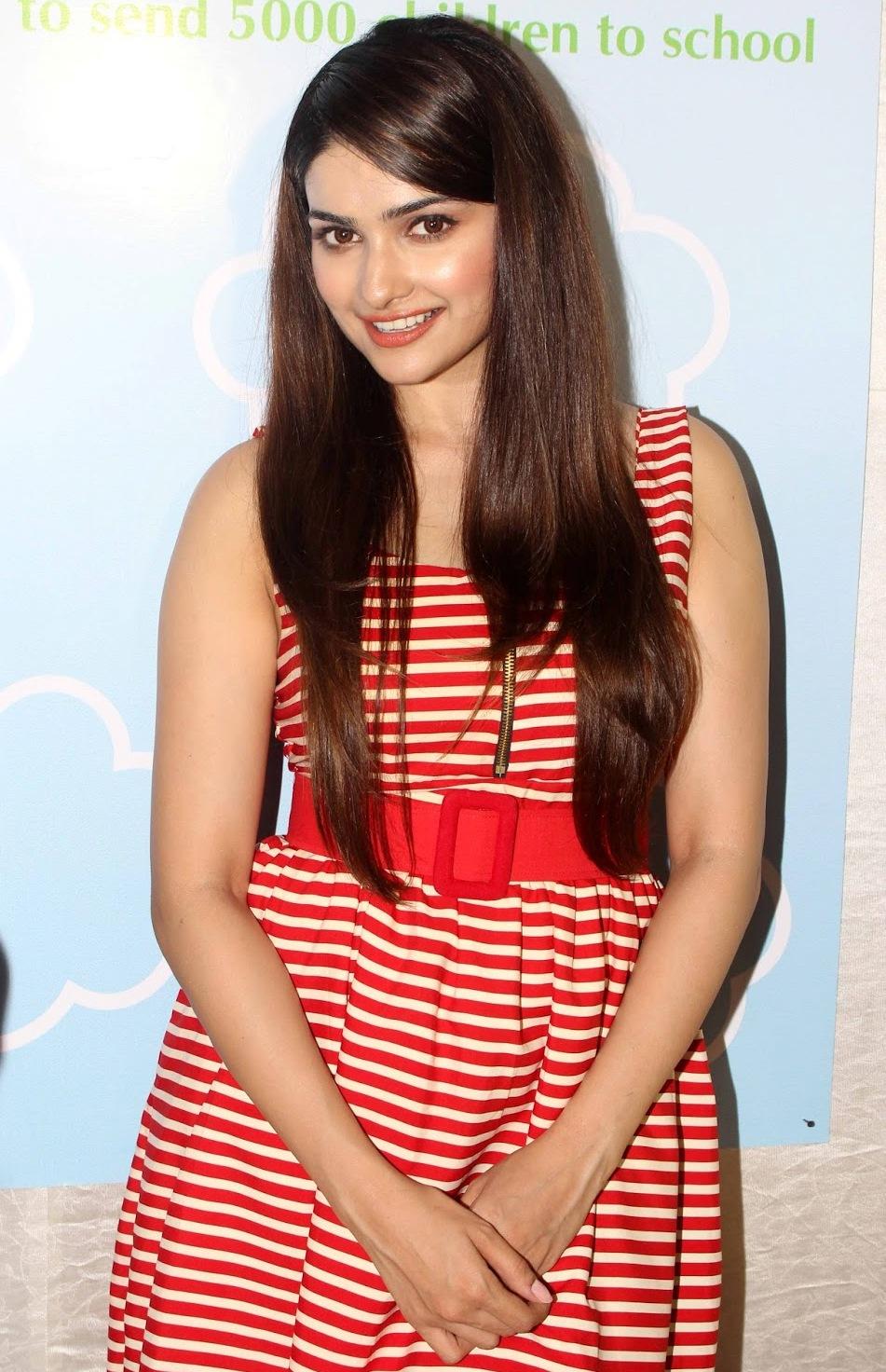 Prachi Desai Sexy Photo