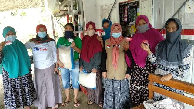 Kegiatan Monitoring dan Penyaluran Bansos Kepada Warga Yg Sedang Isolasi Mandiri di Wilkum Polsek Puspahiang