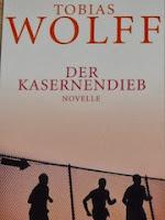 http://samtpfotenmitkrallen.blogspot.ch/2015/07/kurzrezension-der-kasernendieb.html