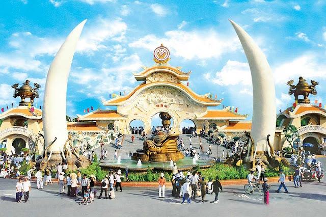 Suoi Tien Theme Park - an amazing entertainment area 1