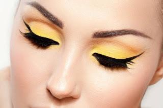مكياج العيون الصفراء للعروس