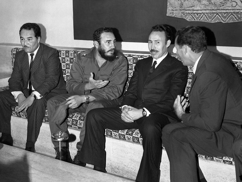 Reunión de Fidel Castro con miembros del gobierno de Argelia en 1963