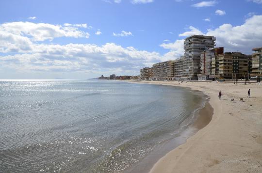 Las administraciones implicadas en el cierre de playas crean una Comisión Técnica Permanente para intensificar las inspecciones y cubrir todas las hipótesis