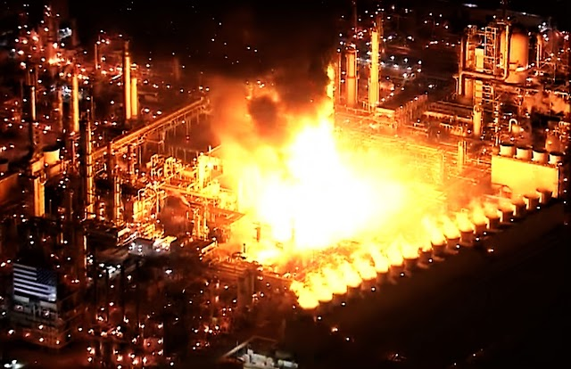 A major fire broke out in California at an oil refinery | Carson Refinery Fire
