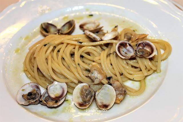 SPAGHETTI ALLA VONGOLE  Spaghetti dengan kerang manila, vindex tengker