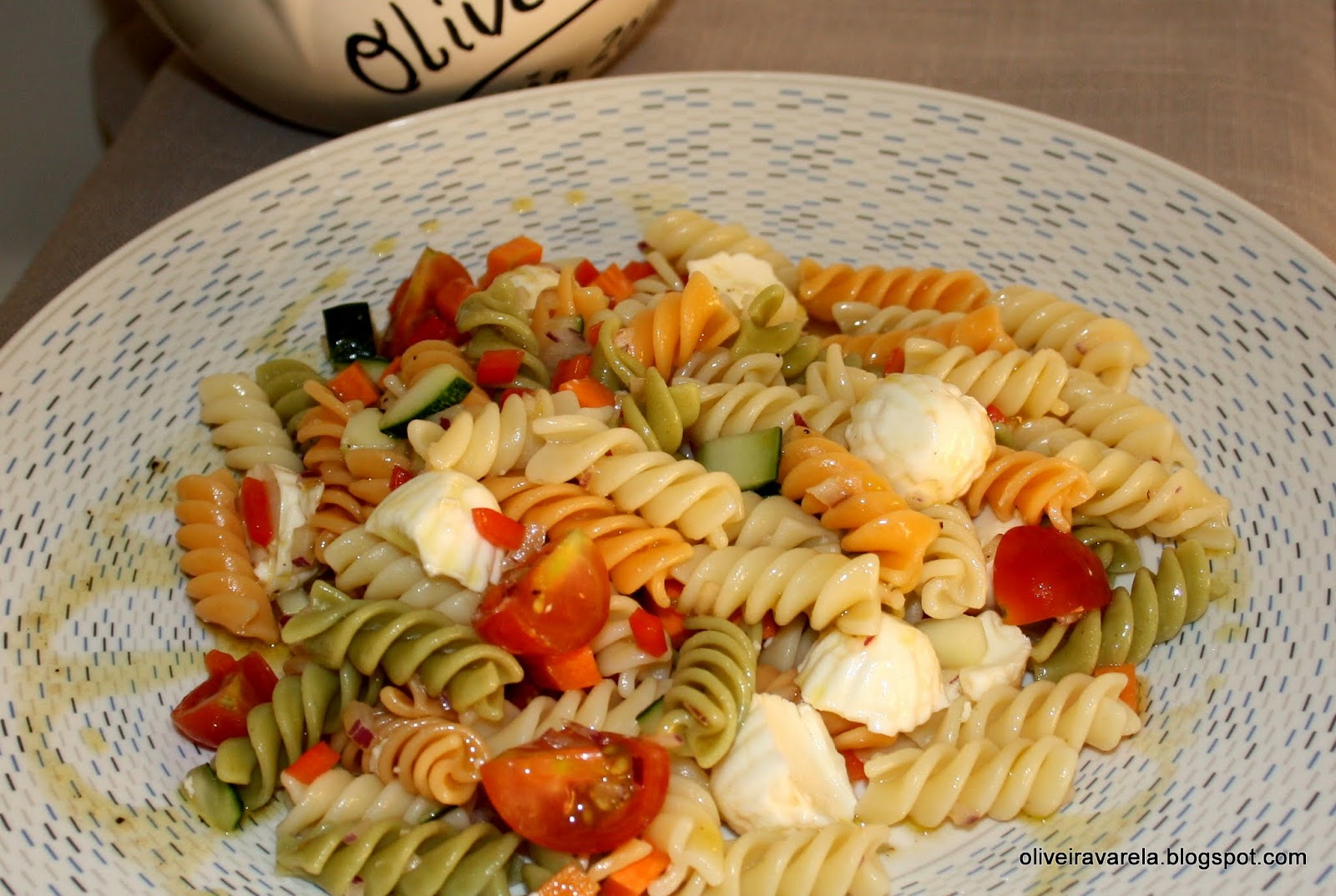 Ensalada de pasta y hortalizas - Ensalada fresca de pasta ...