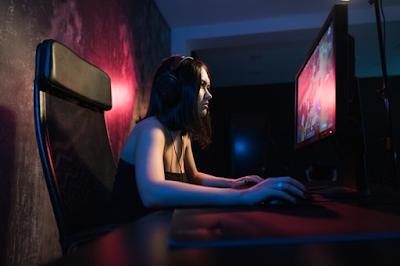 Cewek Gaming