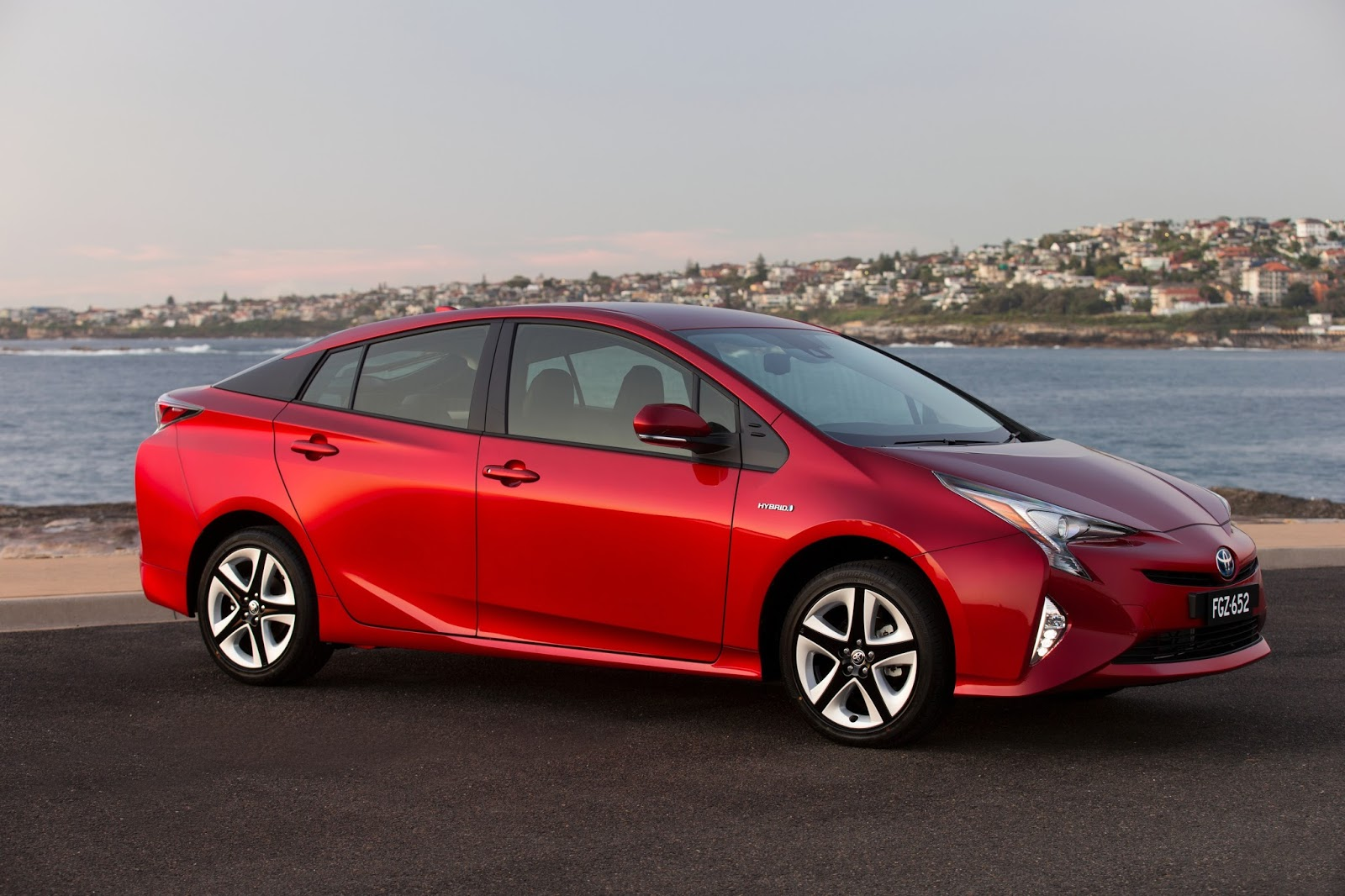 Toyota Sells 9 Millionth Hybrid Car