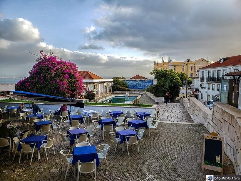 Espaço ao redor do Miradouro de Santa Luzia - o que  fazer em Lisboa