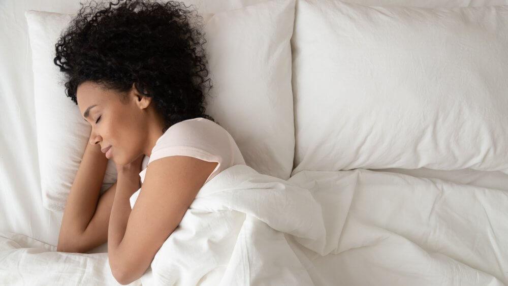 ini-adalah-posisi-tidur-terbaik-untuk-sakit-leher
