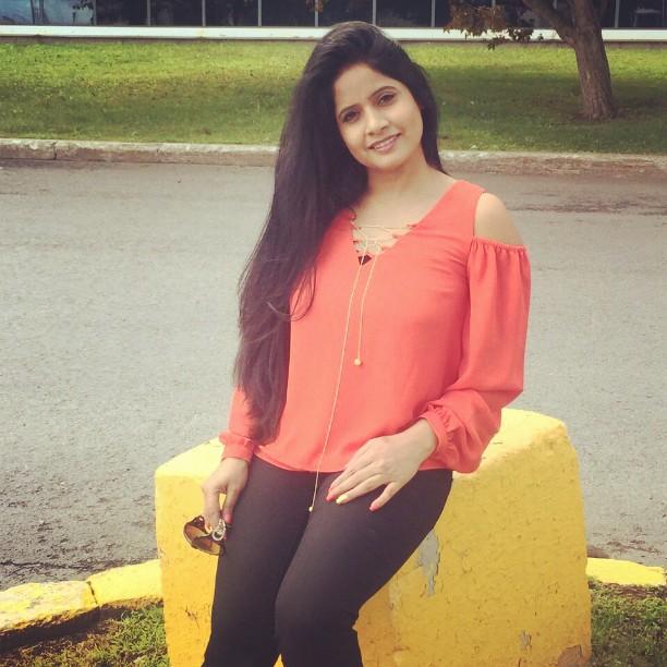 Miss Pooja Sexy Image