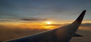 Sunrise Dilihat dari Pesawat