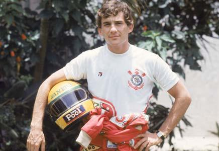 Fórmula 1 - Foto de Ayrton Senna com a camisa do Corinthinas.