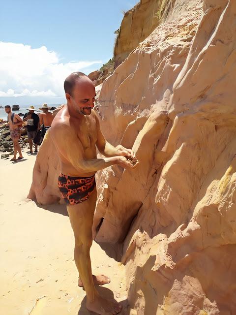 Paredão de argila da Praia Linda - Gamboa