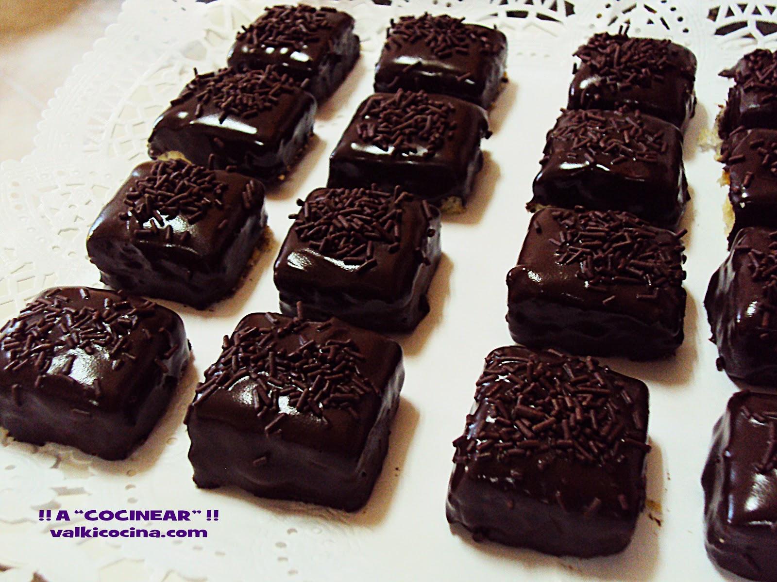 Pastelitos de chocolate rellenos fáciles