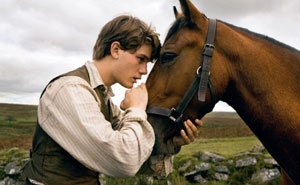Jeremy Irvine en War Horse (Caballo de batalla)