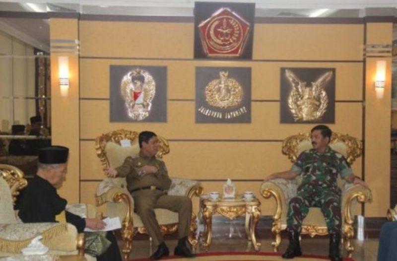 Panglima TNI Siap Menerima Gelar Adat  yang Akan Diberikan Isdianto