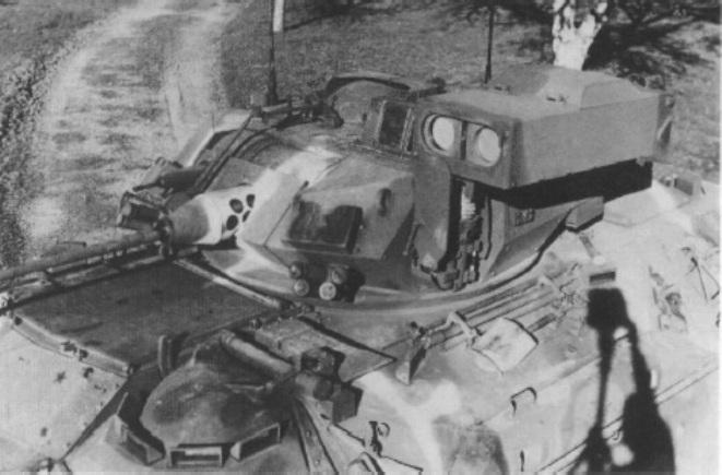 Башта «Бредлі» з пусковою установкою ПТКР Тоу в бойовому положенні