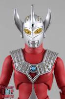 S.H. Figuarts Ultraman Taro 04