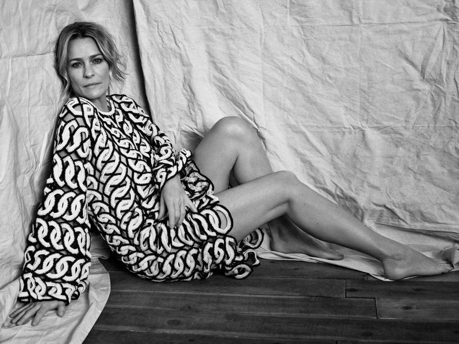 2017 05 kayla autumn ward legs - Set Design Cecilio Dolcetto Lara Ramirez