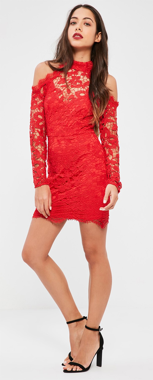 Robe courte moulante rouge en dentelle Missguided
