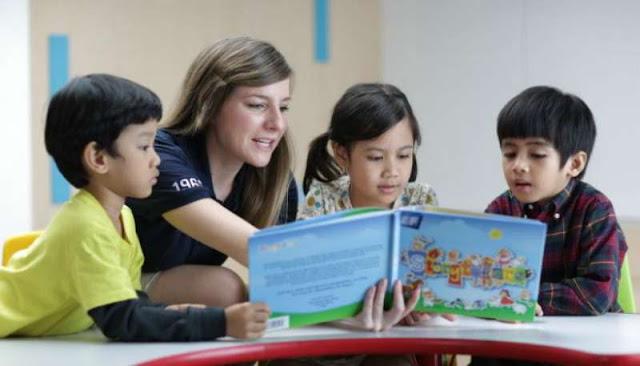 3 Aktivitas Orangtua untuk Mendukung Anak Belajar Bahasa Inggris