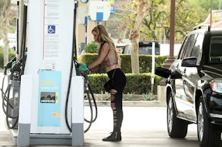-Ana-Braga-in-a-see-through-top-and-pasties-while-getting-gas-in-Calabasas.-s7difh3sa2.jpg