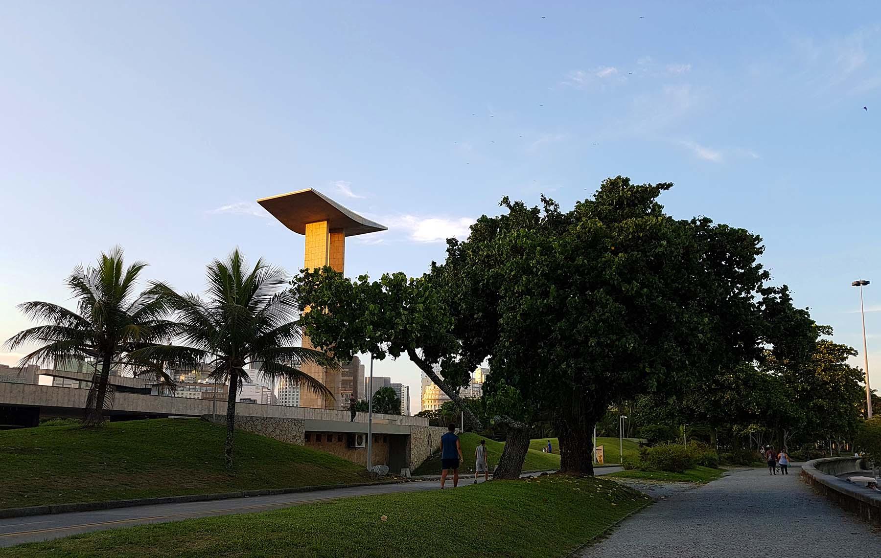 Monumento aos Pracinhas, Aterro do Flamengo,  Rio de Janeiro.