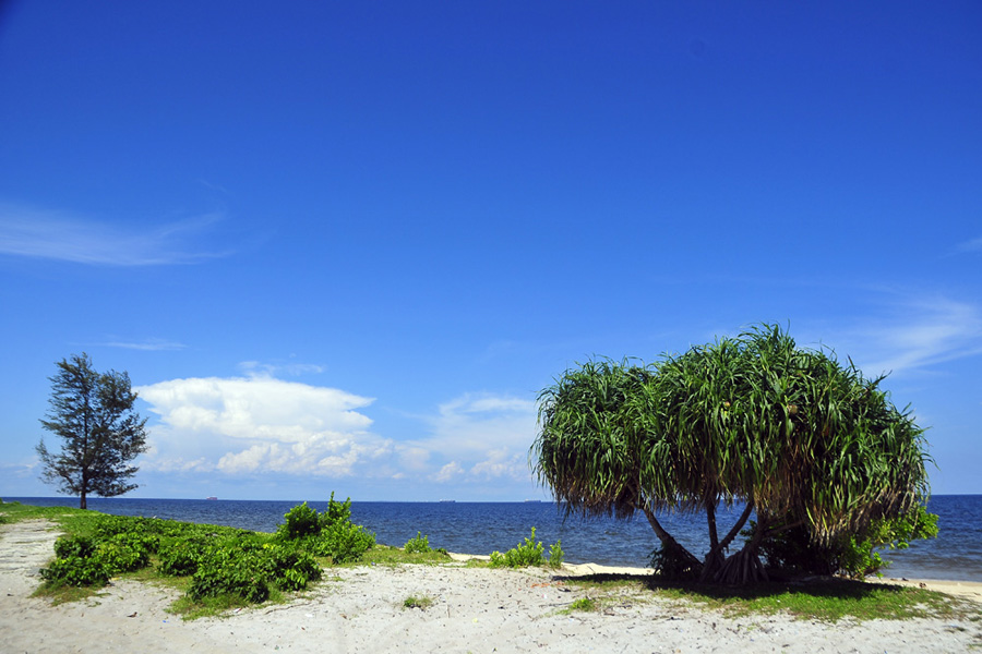 Image result for pantai ujung pandaran