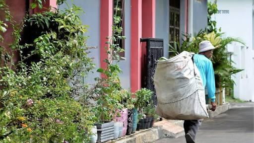 Ketika Sampah Jadi Penyambung Hidup di Tengah SDA Melimpah