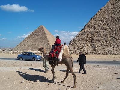 الأهرامات في الجيزة بالقاهرة في مصر