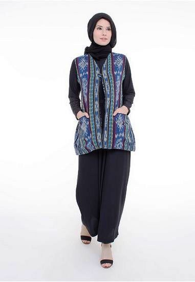 Model Baju Batik Pesta Untuk Wanita Muslim Modern