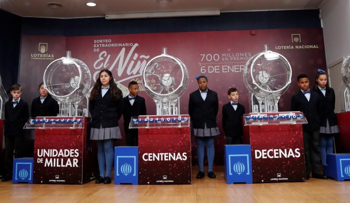 BEGOÑA VILA: La Lotería del Niño creada en el franquismo... no lo digamos más por si quieren prohibirla